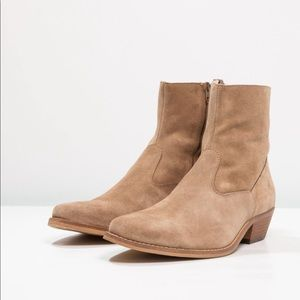Shoe The Bear Western Enzo Boots - 10 Tan Suede